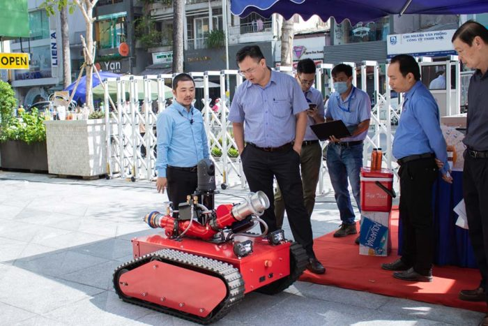 Robot chua chay