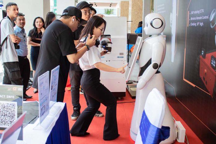 Robot tro ly